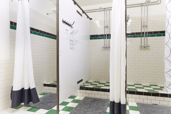 shared-shower-rooms-at